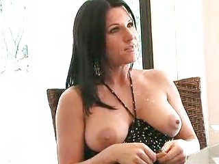 Unforgettable amazing MILF masturabation w toys
