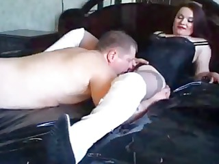 guy in stockings licking mature pussy