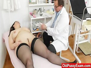Large-breasted matured ob gyn exam