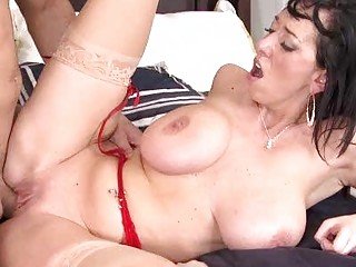 MILF Beauty in Stockings Gets Fucked