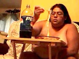FAT RETARDED SLUT ALMA SMEGO EATING NAKED