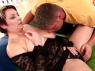 Mature Lilo takes a cock