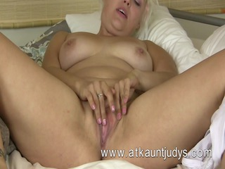Voluptous blond mother Id like to fuck from