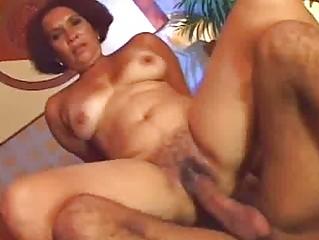Slutty Ethnic MILF Prefers Raw Pussy Sex