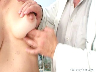 Barbora Visits Gyno Doctor To Get Mature Pussy