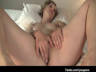 Cheating wife Carmen makes amateur sex tape