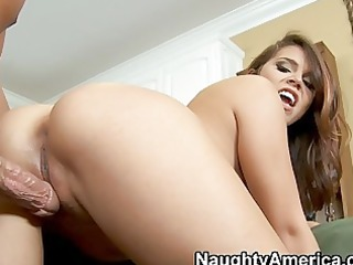 Foxy latina wife gives fantastic blowjob in the