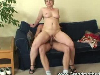 Mature woman riding young cock