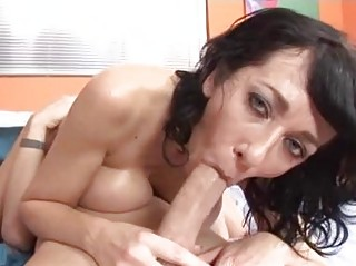 Tigth ass brunette momma with big natural boobs