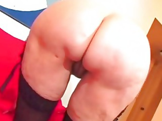Brunette sexy mature granny toying her pussy