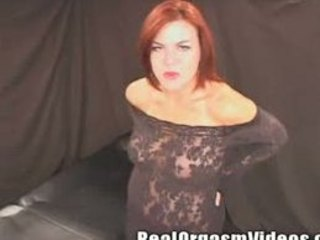 MILF Makes Herself Orgasm on the Sybian
