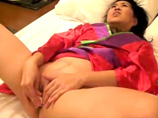 Japanese masturbation with Higo Zuiki Bijin dildo