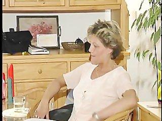 Mom tries out dildo